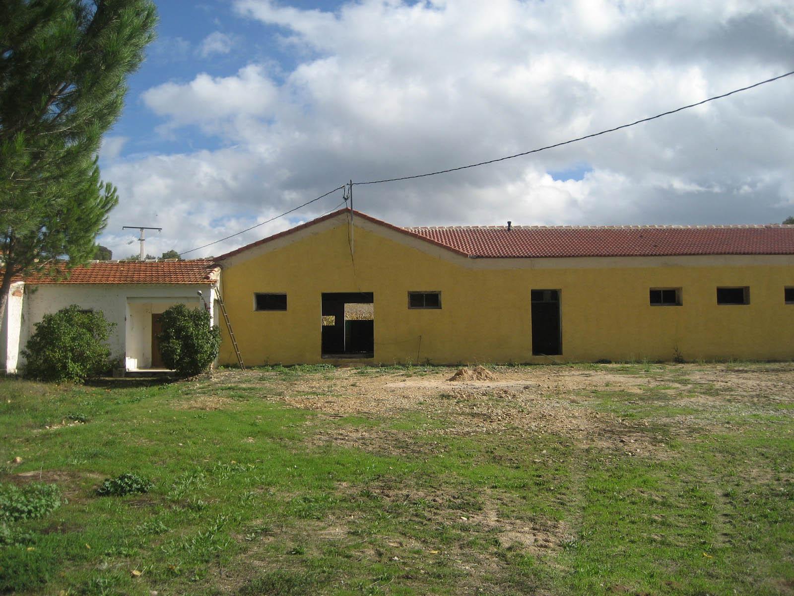 SAT 9870 Santa María de Ovila – Gallinas camperas